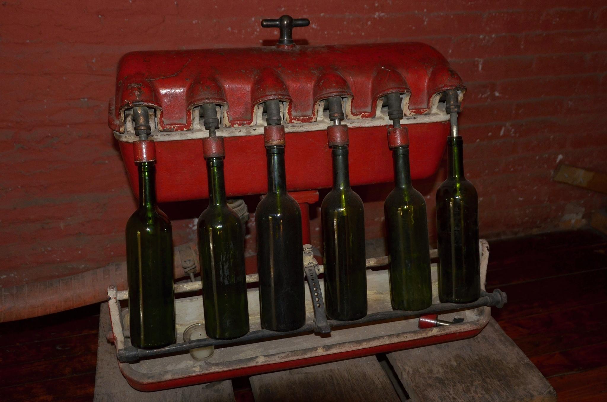 Plnící linka na víno