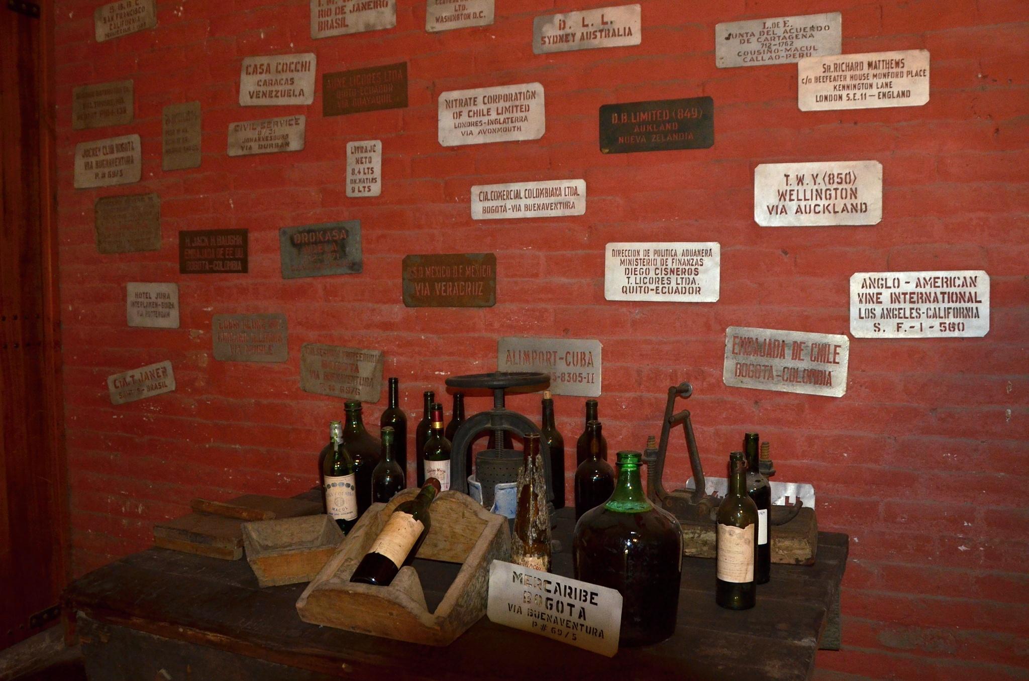 Šablony pro rychlý tisk cílové destinace na krabice s vínem