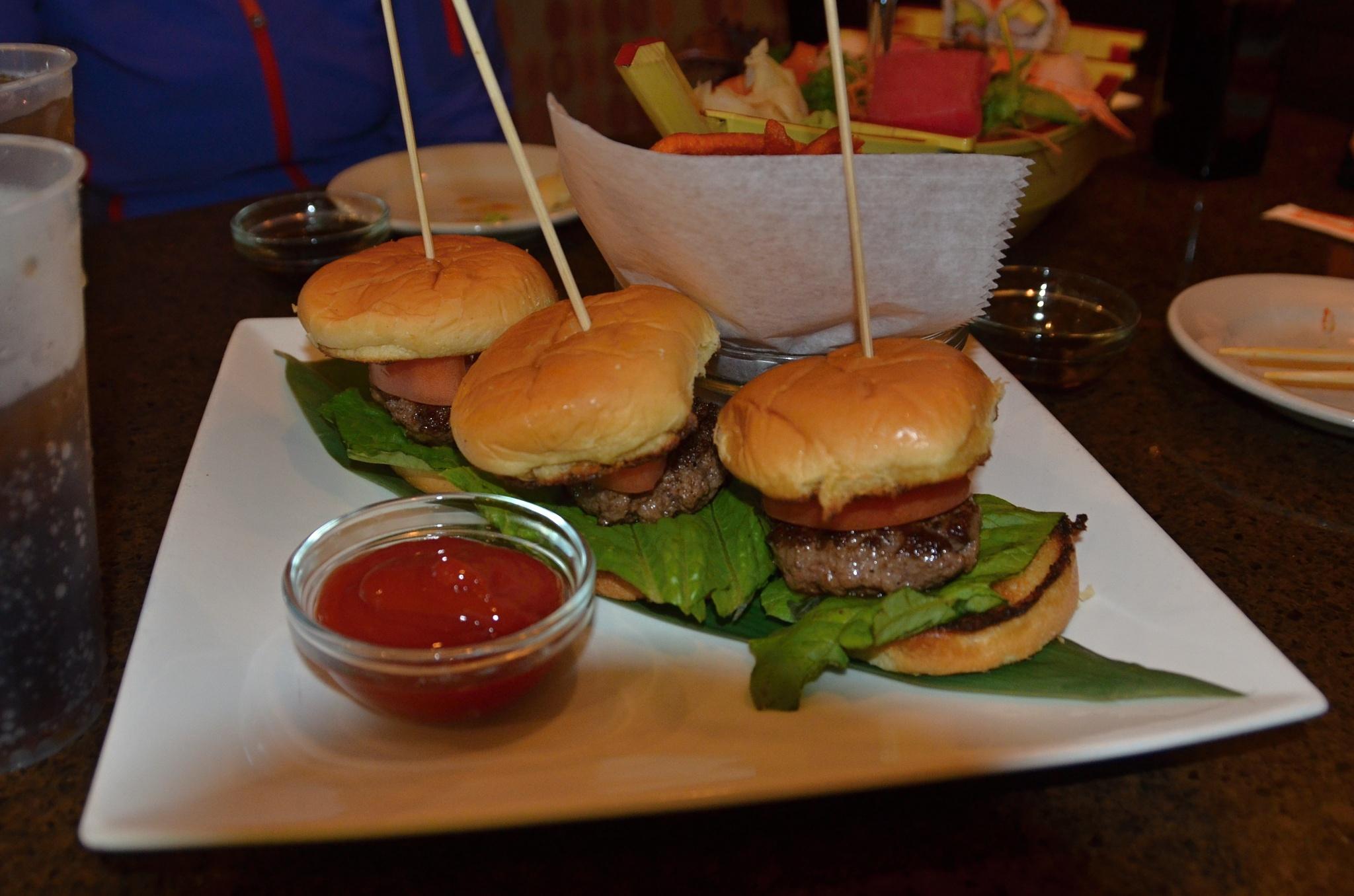 Miniaturní hamburgery, mňam!
