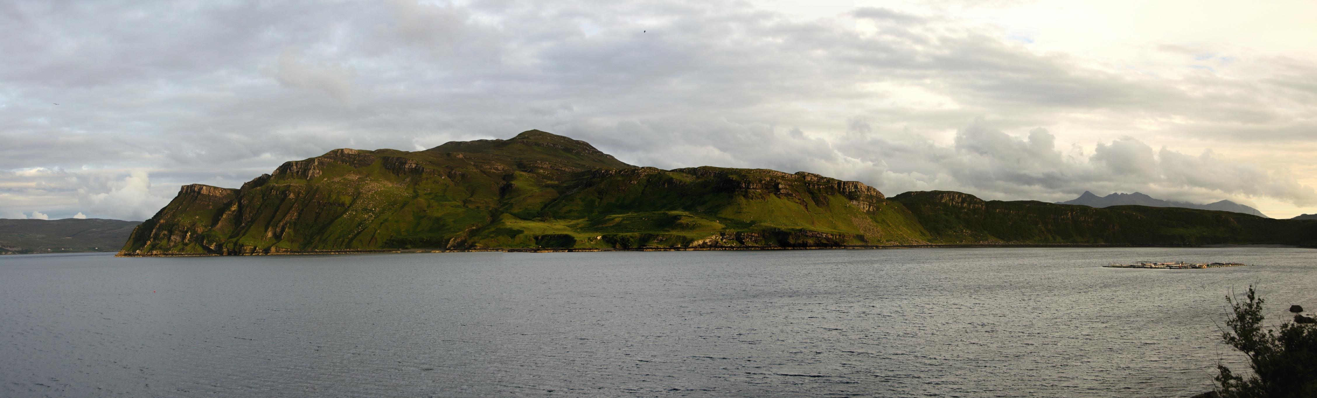 Jedno pěkné panorámátko protějšího břehu zátoky