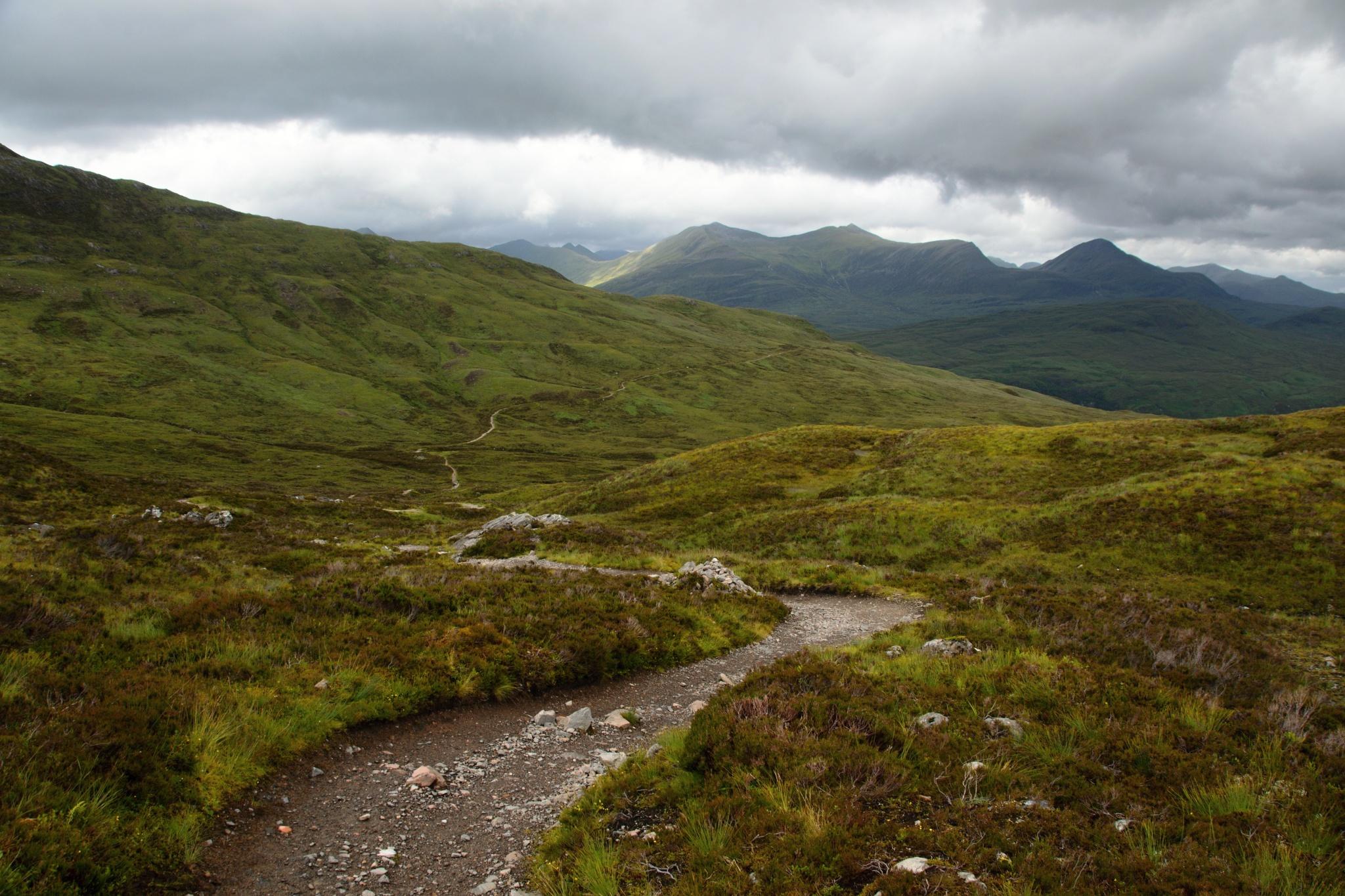 A tudy půjdu dál, až na protější kopec.