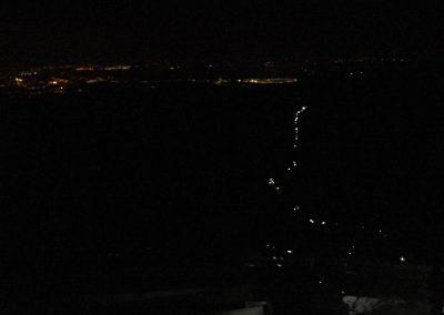 Pohled z Lysé hory. Proud čelovek se zdá být nekonečný.