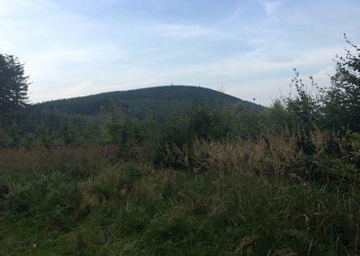 Poslední kopec na obrozru, před námi je Velký Javorník.