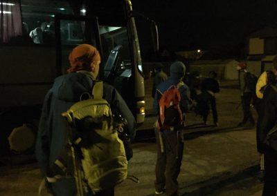 Do prvního busu jsme se všichni nevešli, tak snad až se vrátí...
