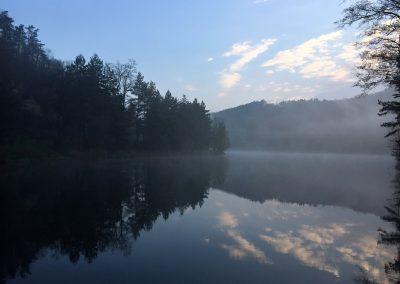 Svítání je nejkrásnější část dne. Vodní nádrž Suchomasty