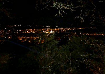 Noční výhled na Mníšek pod Brdy