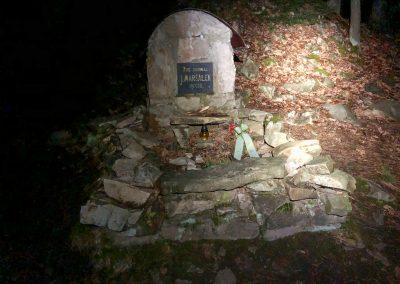 Pomník u Jezírka