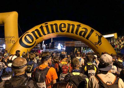 """""""Naše"""" startovní brána, pro účastníky kategorie LONG."""