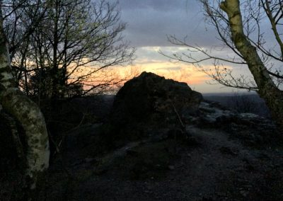 Svítání nad Černolickými skalami