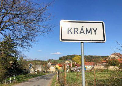 Každá vesnice prostě nemůže mít poetický název, no... :D