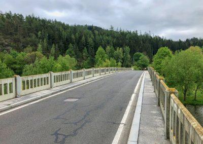 """Most, skoro by se dalo říct """"kouzelný"""". Protože po pár minutách na druhé straně se najednou stal..."""